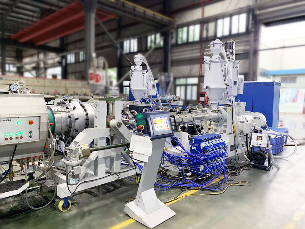 LSP-450HDPE Three-layer Pressure Pipe Production Line